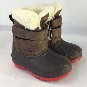 Cat & Jack sz 5 Snow/Winter Boots Sherpa lined